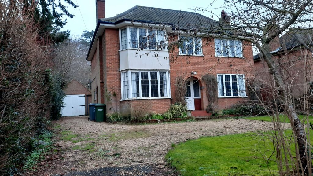 Detached House in Thorpe, Norwich